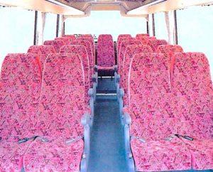 小型バス 車内