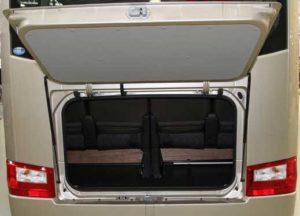 マイクロバス トランク